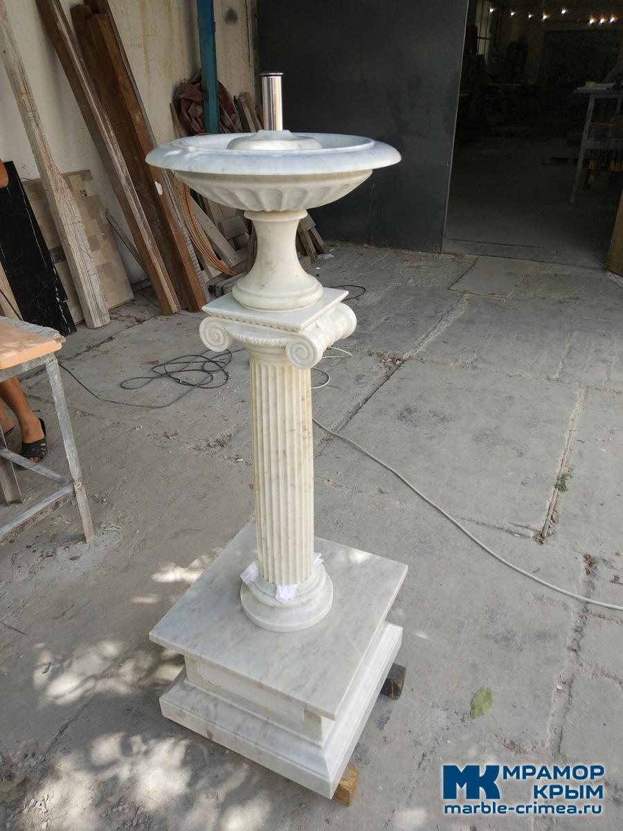 Мраморный фонтан