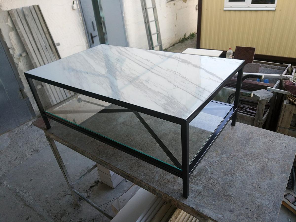 Мраморный столик