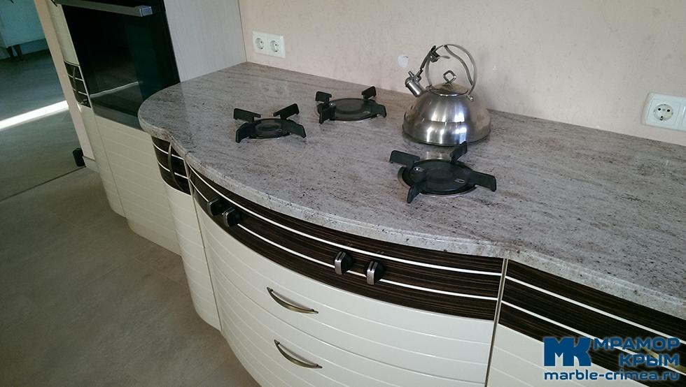 Гранитная столешница для кухни