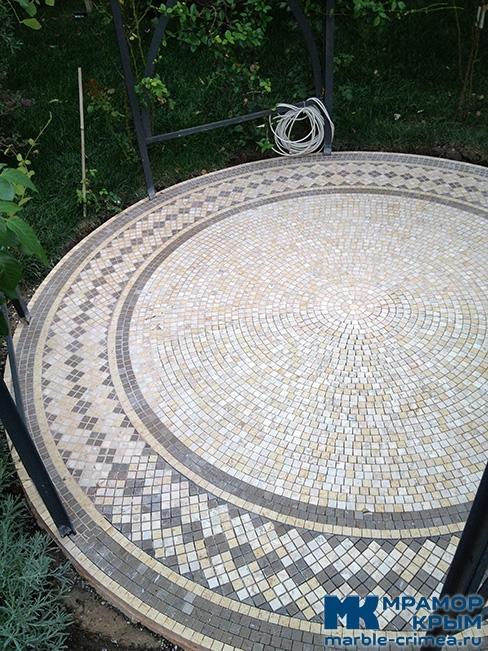 Мраморная мозаика для беседки