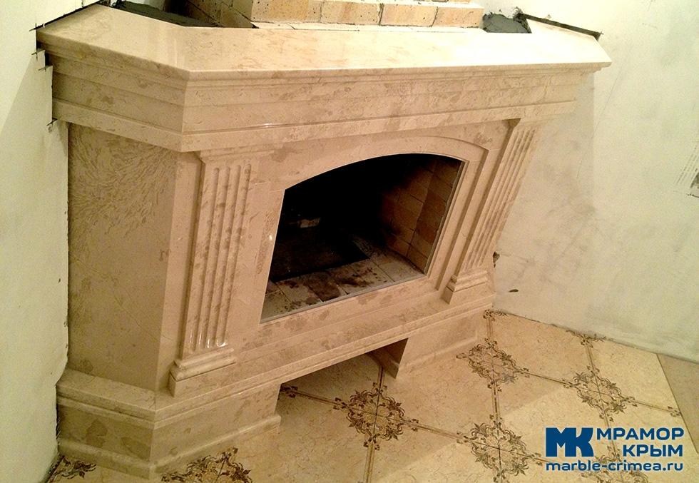 Каминный портал из мрамора в Севастополе