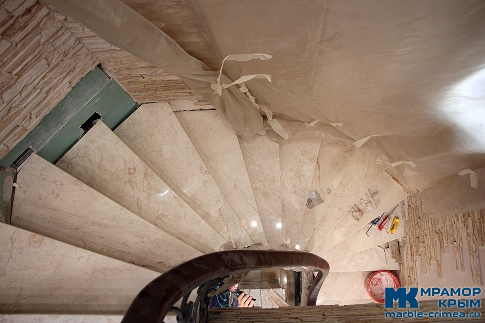 Мраморная лестница в Ялте