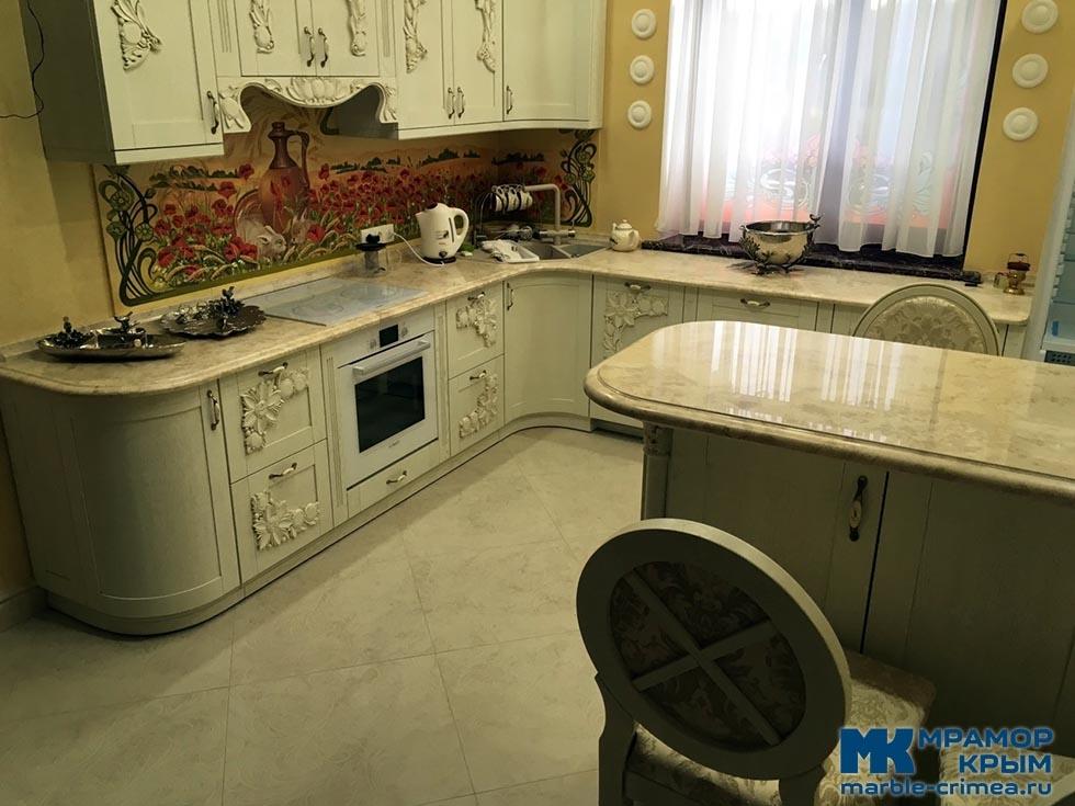 Мраморная столешница на кухню